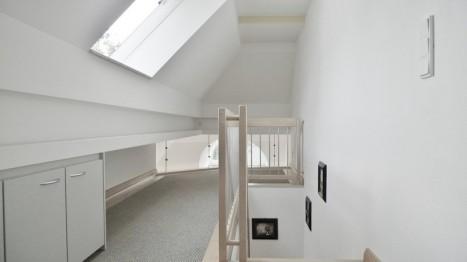 Galerie in einer lichtdurchfluteten 2-Zimmer Dachgeschoss Wohnung